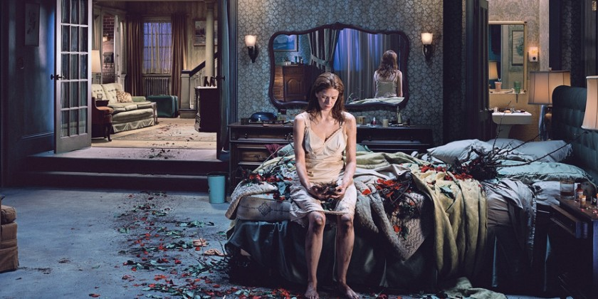 gregory-crewdson-photographer-feat-840x420